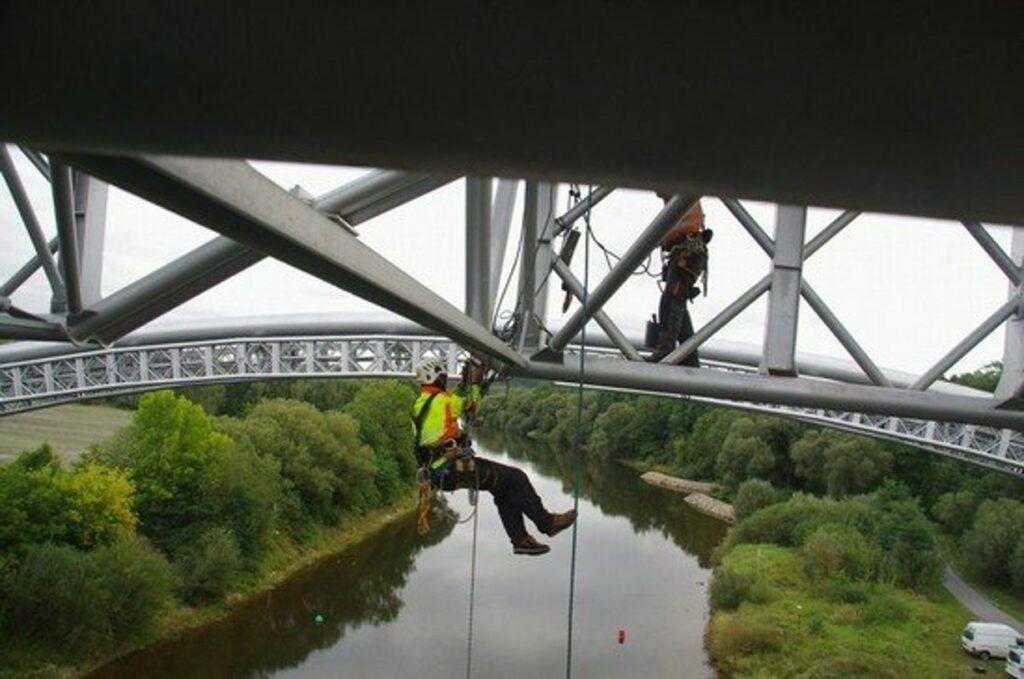 Výškové práce oprava mostních přemostění