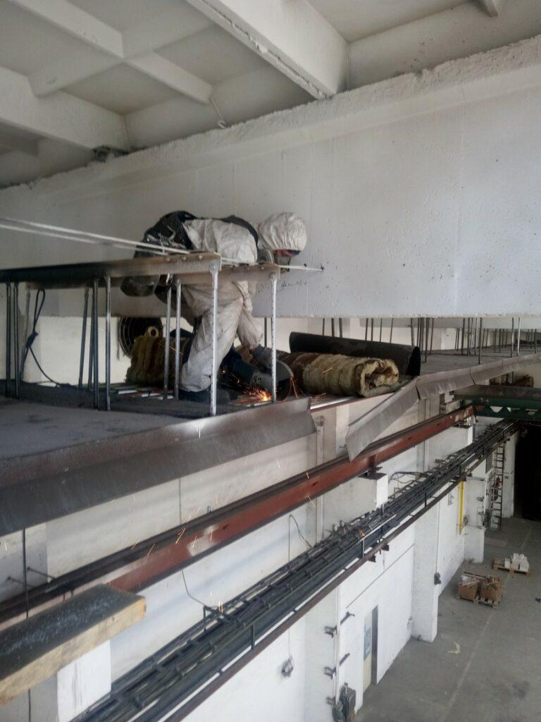 Demontáž-topných-panelů-Volhejn-s.r.o